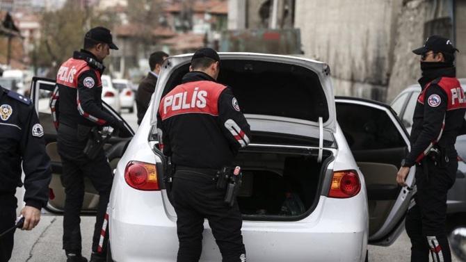 ÇALINTI OTOMOBİLİ POLİSLER BULDU